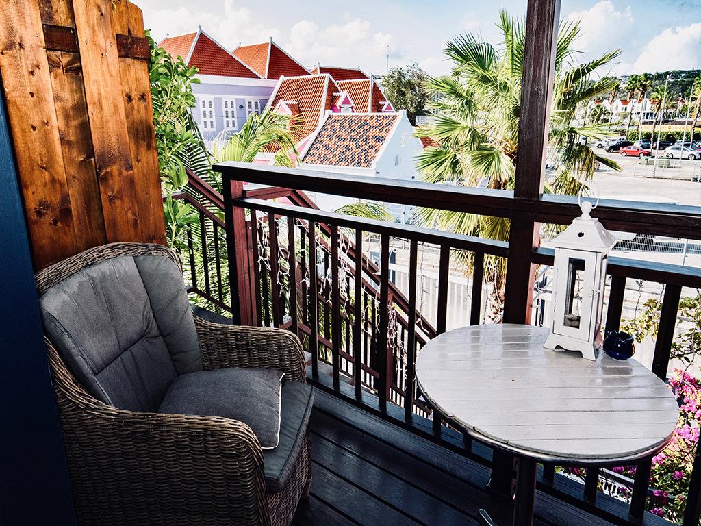balcony-junior-suite-curacao-pm78