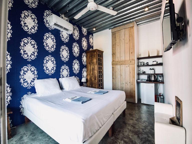 bedroom-2-junior-suite-curacao-pm78