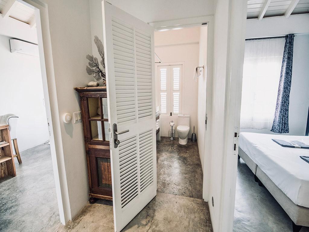 hallway-urban-loft-curacao-pm78