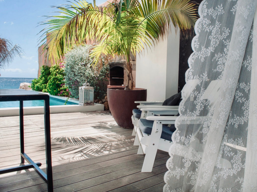 outside-5star-appartement-1-curacao-PM78